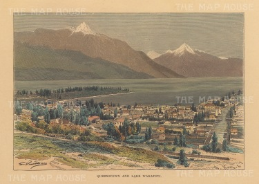 Queenstown: Panoramic view of the city, Lake Wakatipu and the Remarkables.